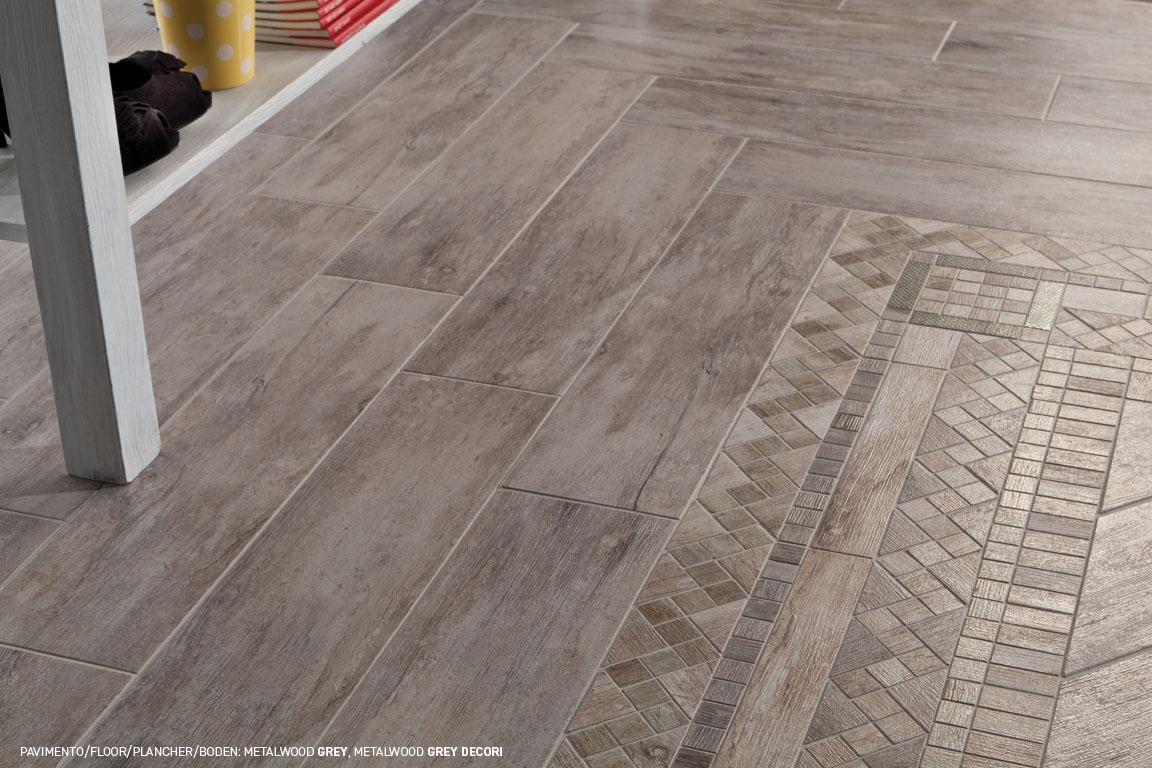 Pavimenti finto legno cangiante in gres porcellanato Metalwood ...