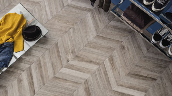 The beautifully traditional Chevron shape springs back to life thanks to Ceramica Rondine