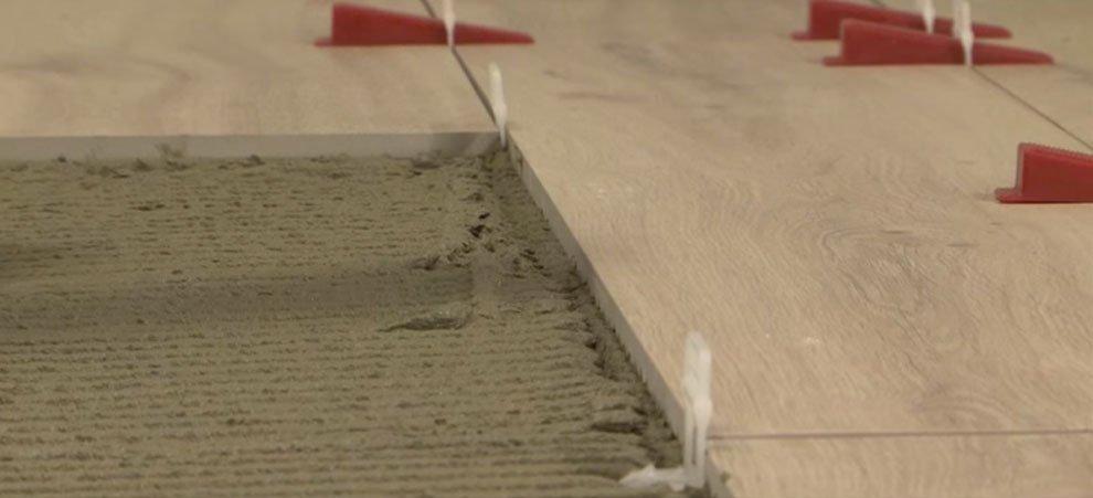 Colla per posa piastrelle su legno gallery of con pavimenti rifatti che lo stile di tutto - Colla per piastrelle su piastrelle ...